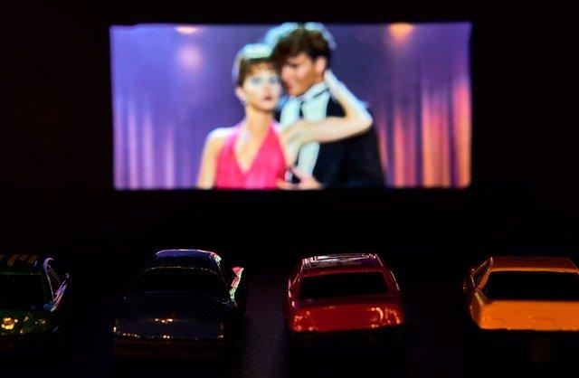 Drive In Theater Film Presentation  - distelAPPArath / Pixabay